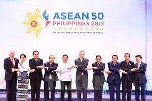 ASEAN - Sứ mệnh 'nước nhỏ lãnh đạo nước lớn'