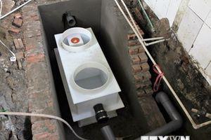 Hà Nội lắp đặt thiết bị tách dầu mỡ giảm ô nhiễm môi trường hồ, sông