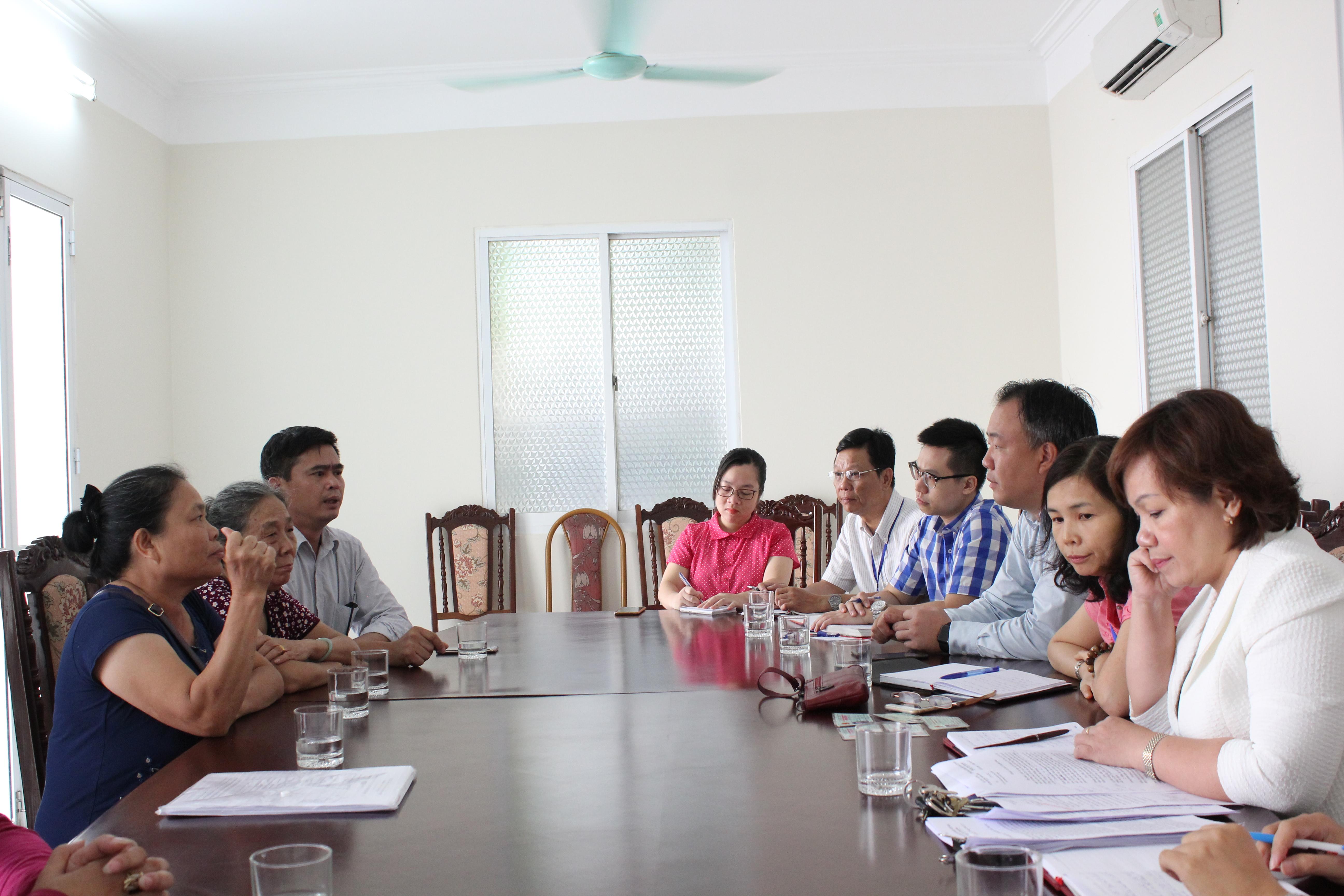 Đại diện các đơn vị Bộ Công Thương lắng nghe tâm tư của tiểu thương về Dự án phá bỏ Chợ Đồng Đăng