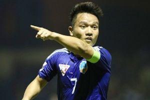Đá bại Than Quảng Ninh, Quảng Nam chạm một tay vào chức vô địch