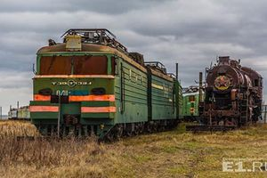 Đột nhập nơi 'an nghỉ' của những đoàn tàu Liên Xô huyền thoại
