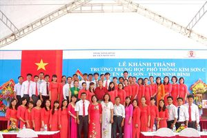 Những tấm gương nhà giáo Việt Nam năm 2017: Ngọn lửa không bao giờ tắt