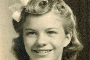 Mê mẩn ảnh chân dung 'gái teen' thế giới thập niên 1940