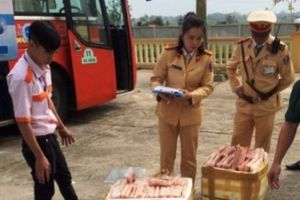 Tin VSATTP: Khai trương phố ẩm thực tại TPHCM