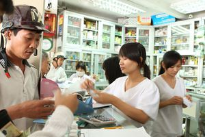 Nối mạng các nhà thuốc để ngăn chặn việc mua kháng sinh quá dễ