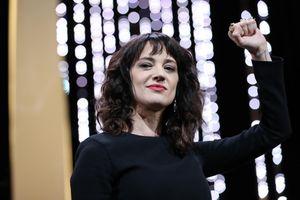 Nữ đạo diễn gây rúng động về chuyện bị cưỡng hiếp ngay tại Cannes