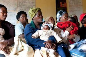 'Bi kịch kép' của những người phụ nữ nhiễm HIV/AIDS ở Nam Phi
