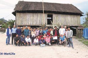 Quỹ MetLife hỗ trợ phụ nữ và hộ dân nghèo tỉnh Kon Tum