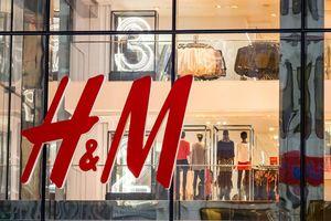 H&M đang tồn kho 'núi' quần áo khổng lồ 4 tỷ USD