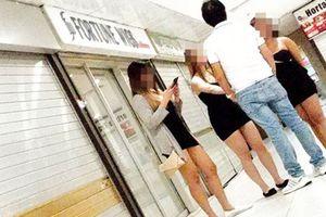 Ngành công nghiệp không khói ẩn sau thiên đường mua sắm ở Singapore