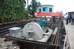 Chủ máy bơm 'khủng' buồn vì chưa thấy công bố giá thuê chống ngập Nguyễn Hữu Cảnh