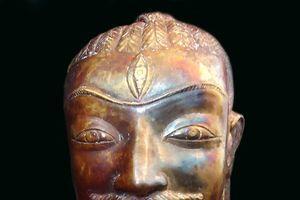 Ám ảnh lời nguyền của tượng cổ bằng vàng biến cả làng phút chốc thành đại gia