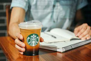 Starbucks sẽ dừng sử dụng ống hút nhựa vào năm 2020