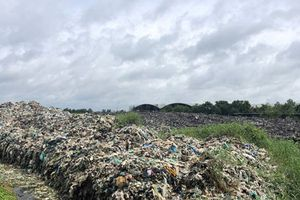 Hàng ngàn tấn rác tồn đọng tại nhà máy xử lý rác