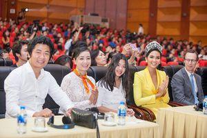 Hoa hậu H'Hen Niê cùng dàn sao Việt phát động chiến dịch 'Ngày dân số thế giới tại Việt Nam 2018'