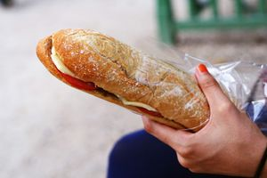 Thử ngay loạt món ăn đường phố ngon khó cưỡng khi đến Pháp