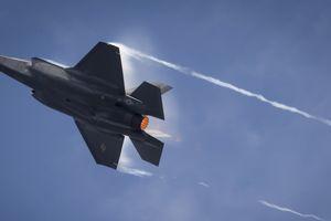 NATO 'lo sốt vó' viễn cảnh S-400 của Nga khiến F-35 vô dụng