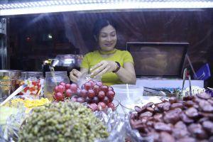 Vì sao du khách mê mẩn chợ đêm Ninh Kiều?