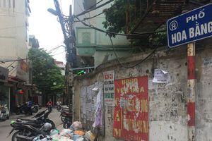 Hà Nội: Rác thải tràn ngập phố Hoa Bằng sau trận mưa lớn kéo dài