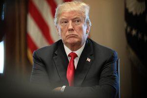 Trump dọa đánh thuế 500 tỷ USD hàng Trung Quốc, Bắc Kinh lúng túng và im lặng