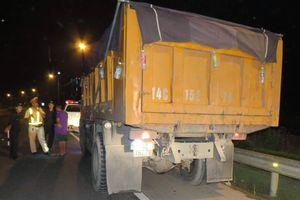 Quảng Ninh: Bất chấp lệnh cấm, xe than vẫn 'tung hoành' trên quốc lộ