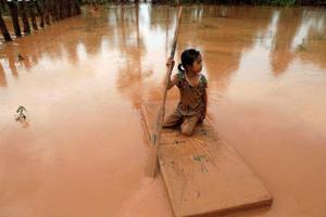 Lào: Người dân chật vật trở về nhà sau sự cố vỡ đập