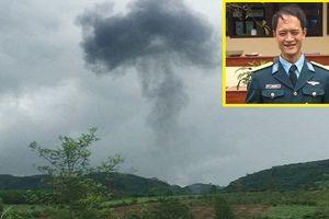 Máy bay SU-22 rơi ở Nghệ An: Người mẹ đau buồn suy sụp, khóc ngất khi hay tin con trai hy sinh