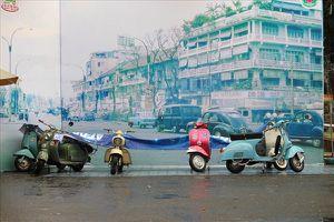 Choáng ngợp với hàng trăm xe cổ xuất hiện trong khung cảnh Sài Gòn xưa