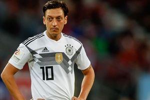 Từ câu chuyện Oezil giã từ ĐT Đức: Thế giới chưa bao giờ phẳng, dù ở trong bóng đá
