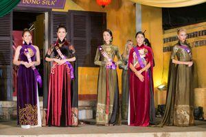 Người đẹp Philippines đoạt giải trình diễn áo dài đẹp nhất