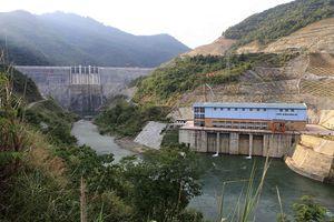 Thủy điện lớn nhất Nghệ An xả lũ