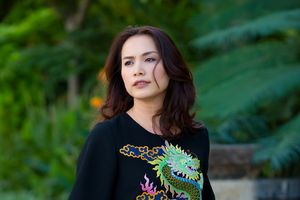 Hoa hậu Ngọc Khánh trẻ trung sau 20 năm đăng quang