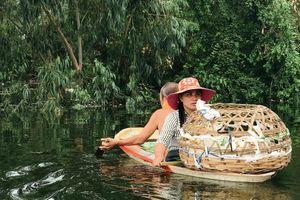 Chương Mỹ - Hà Nội: Người dân ngụp lặn giữa biển nước