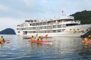 Du lịch trải nghiệm, khám phá vịnh Hạ Long