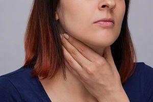 6 dấu hiệu 'tố cáo' bạn có thể mắc ung thư cổ họng