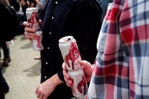 Canada thiếu lon để sản xuất bia do căng thẳng thương mại với Mỹ