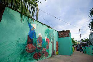 Ghé thăm ngôi làng bích họa đầu tiên ở Việt Nam
