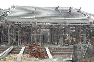 Ngôi đình hơn 300 năm 'hóa' bê tông cốt thép 1 tuổi