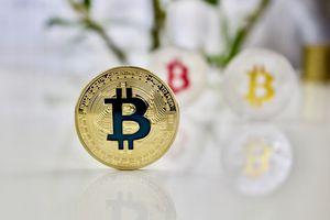 Mức dùng bitcoin trong thương mại liên tiếp giảm