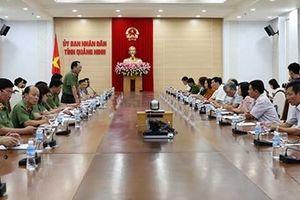 Thứ trưởng Nguyễn Văn Thành, Trưởng Đoàn giám sát Hội đồng quản lý BHXHVN làm việc tại Quảng Ninh