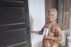 Huế: Khởi tố bà cụ 70 tuổi chuyên cạy cửa nhà dân trộm cắp tài sản