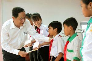 BẢN TIN MẶT TRẬN: Đầu tư cho giáo dục là đầu tư cho sự phát triển
