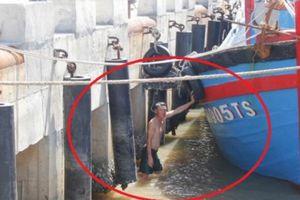 Quảng Trị: Bến cá gần 27 tỷ đồng bí bách vì mắc cạn