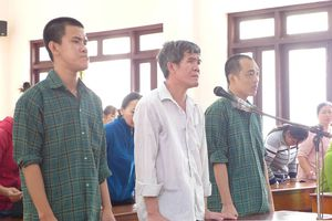 43 năm tù cho 3 đối tượng đánh chết người tình của cô ruột