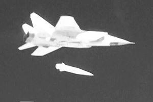 Nghi vấn Trung Quốc chế tạo vũ khí lợi hại như tên lửa Kinzhal của Nga