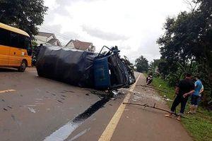 Tai nạn liên hoàn giữ 2 ô tô và xe máy, nhiều người bị thương