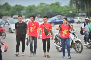 U23 Việt Nam vs U23 Palestine: Cổ động viên Việt Nam nhuộm đỏ sân Mỹ Đình