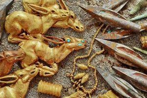 Kazakhstan: Tìm thấy cả kho vàng trong ngôi mộ cổ niên đại 2.800 năm