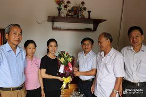 Huyện Đô Lương chúc mừng học sinh đạt điểm cao tại kỳ thi THPT Quốc gia