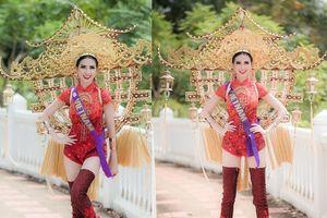 Phan Thị Mơ mang hình ảnh chùa Một cột vào trang phục truyền thống tại Hoa hậu Đại sứ du lịch thế giới 2018